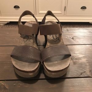 f6def88c4955 OTBT Shoes - OTBT Bushnell in coffeebean wedge sandals